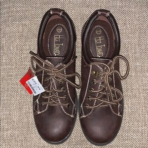 NWT Hot Tomato Lace Up Shoes Size 9.5.